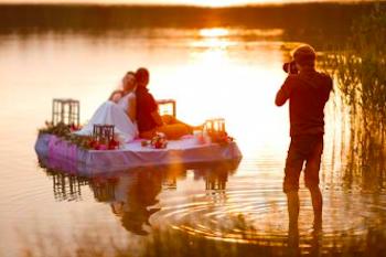 出張撮影を利用する男女のカップル