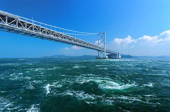 徳島県の鳴門海峡